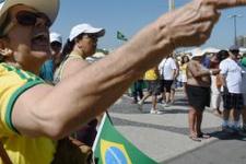 Brezilya'da Dilma Rousseff karşıtı protestolar büyüyor