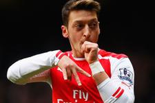 Mesut Özil'in yanına bir Türk daha