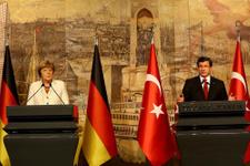 Angela Merkel ve Davutoğlu'ndan flaş açıklama