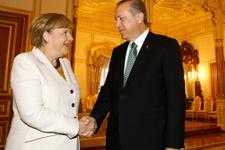 İngiliz gazetesinden olay Merkel-Erdoğan karikatürü