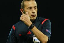 UEFA Cüneyt Çakır'ı örnek gösterdi!