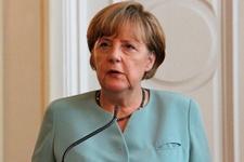 Angela Merkel'den sert Paris katliamı açıklaması