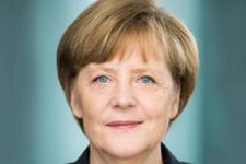 Merkel dev maçın iptali için ne dedi?