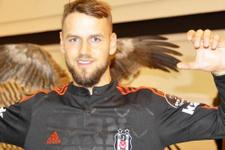 Beşiktaş'a 'hiç bir yere gitmiyoruz' mesajı