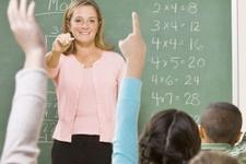 Öğretmen maaşı vekil maaşı kadar olsun!