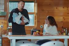 İlişki Durumu Karışık 20. bölüm - Ayşegül ile Can'ın bebek bakımı ile imtihanı