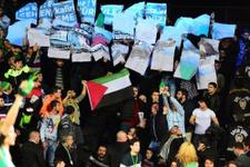 Filistin bayrakları açıp yeri göğü inlettiler!