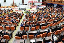 Meclis 'emeklilere zam' için mesai yapacak