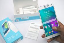 Samsung yeni telefonu Galaxy A7'yi tanıttı