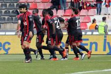 Gaziantepspor Adana'da turladı!