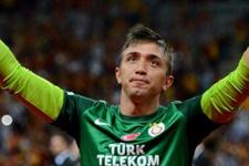 Galatasaray'da neler oluyor? Muslera defansa geçti