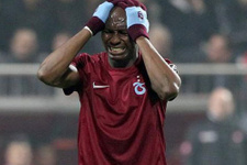 Trabzonspor Mbia için pazarlık masasında
