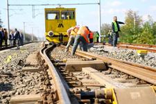 Sakarya'da yolcu treni yük treniyle çarpıştı