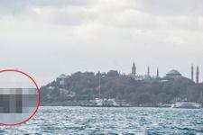 Denizin ortasında İstanbulluları şaşırtan görüntü