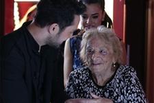 83 yaşındaki Filiz Hanım, O Ses'e damgasını vurdu!