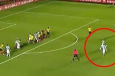 Messi Kolombiya maçında frikikten ağları sarstı