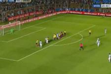 Messi frikikten ağları sarstı