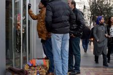 TOKİ'den ev için bankanın önünde sabahladılar