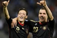 Almanya'da Mesut Özil krizi
