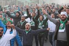 Bursasporlular 6 yıl sonra 40 otobüsle geldi!