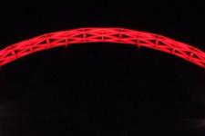 Wembley Stadı'nın kemeri Türkiye için kırmızı oldu