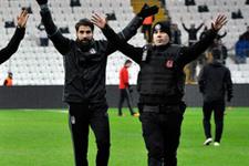 Olcay Şahan'dan polislere büyük jest