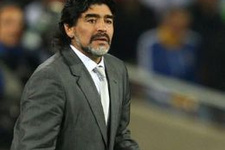 Diego Maradona'dan Napoli başkanına olay sözler
