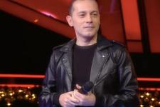 Cüneyt Çakır'dan şaşırtan şarkı performansı