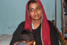 Myanmar askerleri oğlumu yanan evin içine attı