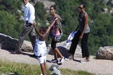 Obamalar 8 yılda tatil için para değil servet harcamış!