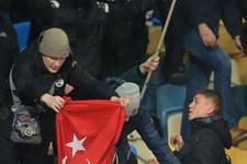 Kiev'de bıçaklanan Beşiktaşlı taraftar yoğun bakımda