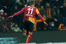 Podolski ve Sneijder cezalı duruma düştü