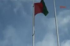 Amedspor bayrağını indirip yırtılar arbede çıktı!