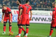 Galatasaray derbi öncesi darmadağın