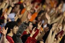 Derbide Galatasaray taraftarına kötü haber!