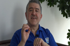 Diş Hekimi Zafer Kazak Ağız kokusu olanlar nasıl bakımı yapmalı?