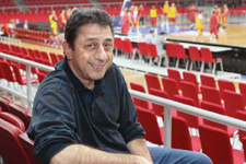 Galatasaraylılar Murat Murathanoğlu'na saldırdı