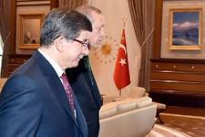 Ankara'da şok söylenti Ahmet Davutoğlu istifa mı ediyor?