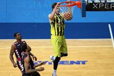 Fenerbahçe Uşak Sportif'i farka boğdu