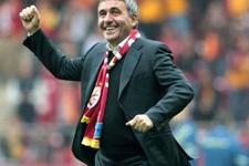 Galatasaray'ın efsanesi derbiyi izledi