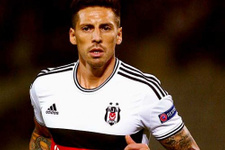 Derbinin en şanssız futbolcusu  Jose Sosa