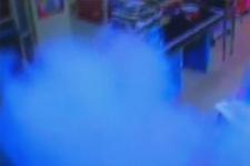 Markete bombalı saldırı kamerada!