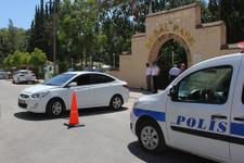 Adana'da parkın yakınında sis bombası bulundu