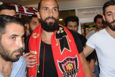 Erkan Zengin yeniden Eskişehirspor'da