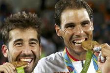 Rafael Nadal'ın yüzü çiftlerde güldü