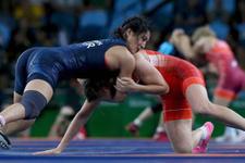 Rio'da kadın güreşçilerimiz mindere serildi
