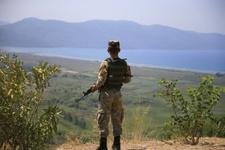 Asker Ağrı'da teröristlerle çatıştı!