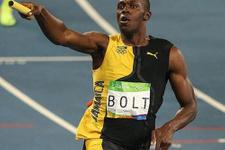 Usain Bolt altın madalyaya doymuyor