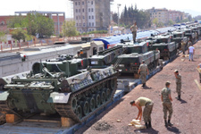 Tanklar Gaziantep İslahiye'ye taşındı