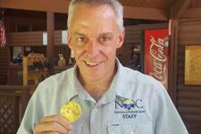 Altın madalya çöpten çıktı